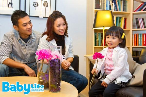 孩子2歲以後,可以帶著孩子自己挑選或決定喜歡的佈置