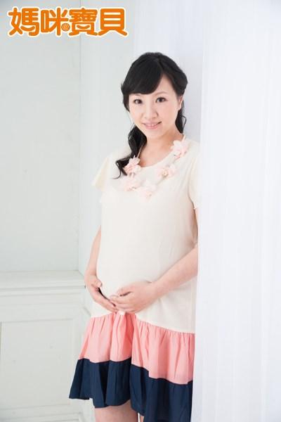 「先天性的子宮畸形」需要進行手術將沒有功能、但會造成問題的殘餘的子宮切除,其它的盡量讓它恢復成正常的子宮形狀。