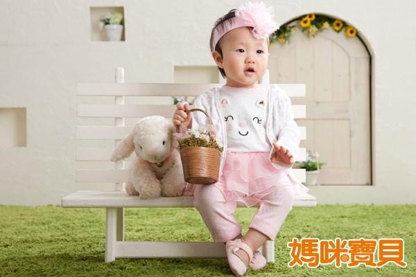蠶豆症寶寶遇到氧化性物質或感染疾病時,由於他們缺乏抗氧化能力,因此可能會產生溶血。