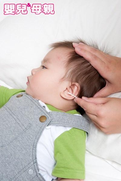 寶寶耳朵有異物