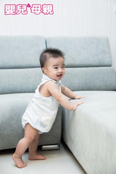 寶寶7~9個月的發展